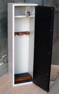 Метален сейф