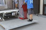 хамали за качване и сваляне на товари с камион